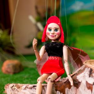 Божья коровка Горошинка из кукольного спектакля Горошинка на полянке чудес
