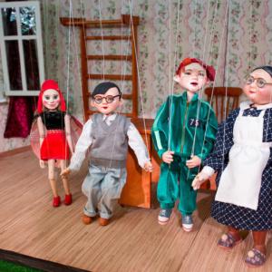 Актеры детского кукольного спектакля Горошинка в гостях у Никиты